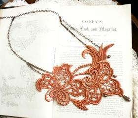 lace necklace -ALEXA- burnt orange
